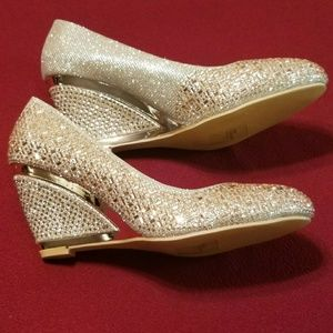 BOLARO Shoes - SOLD!!! Bolaro rose gold/champagne wedge heel.